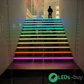 Trapverlichting 120cm 60 LEDs/mtr LED strip RGB IP65